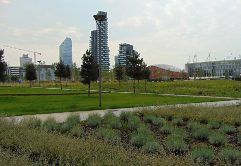 Milano e il suo muro. Meglio abitare a est o a ovest?
