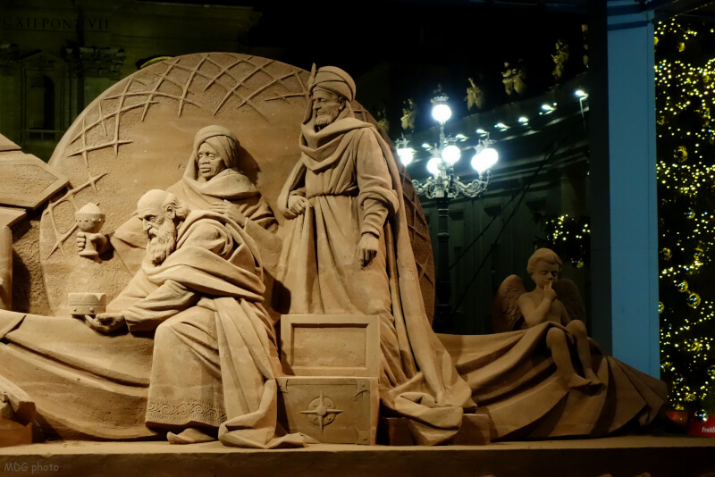 San Pietro, 700 tonnellate di sabbia per il presepe