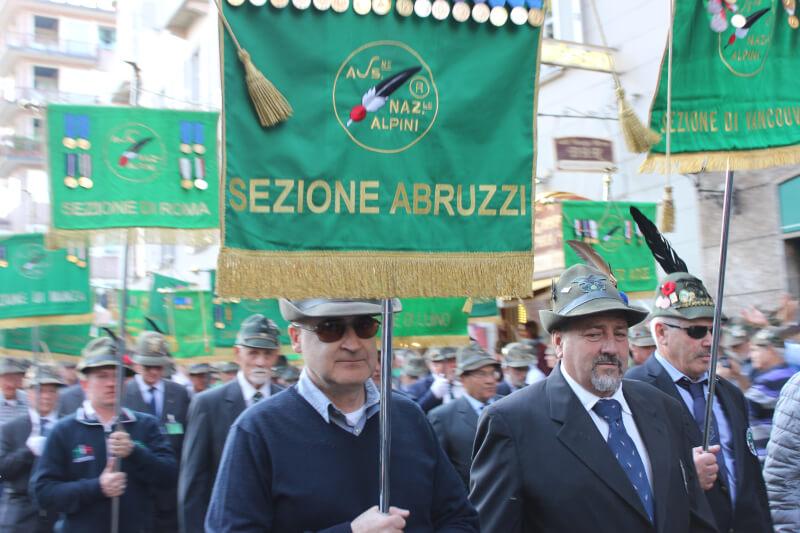 Alpini, 500 mila penne nere invadono Milano