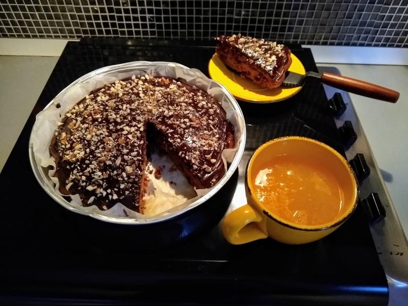 torta e spremuta d'arancia