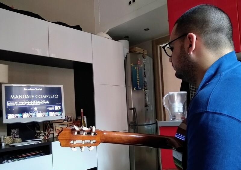 suoniamo la chitarra