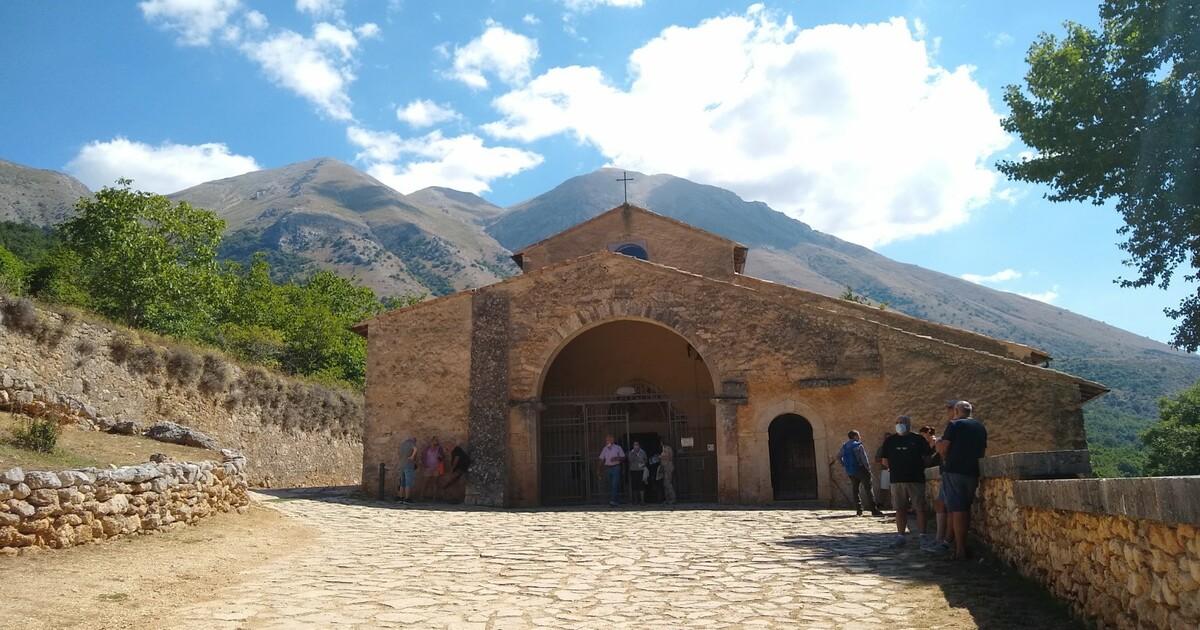 Rosciolo, borgo medievale ai piedi del Monte Velino